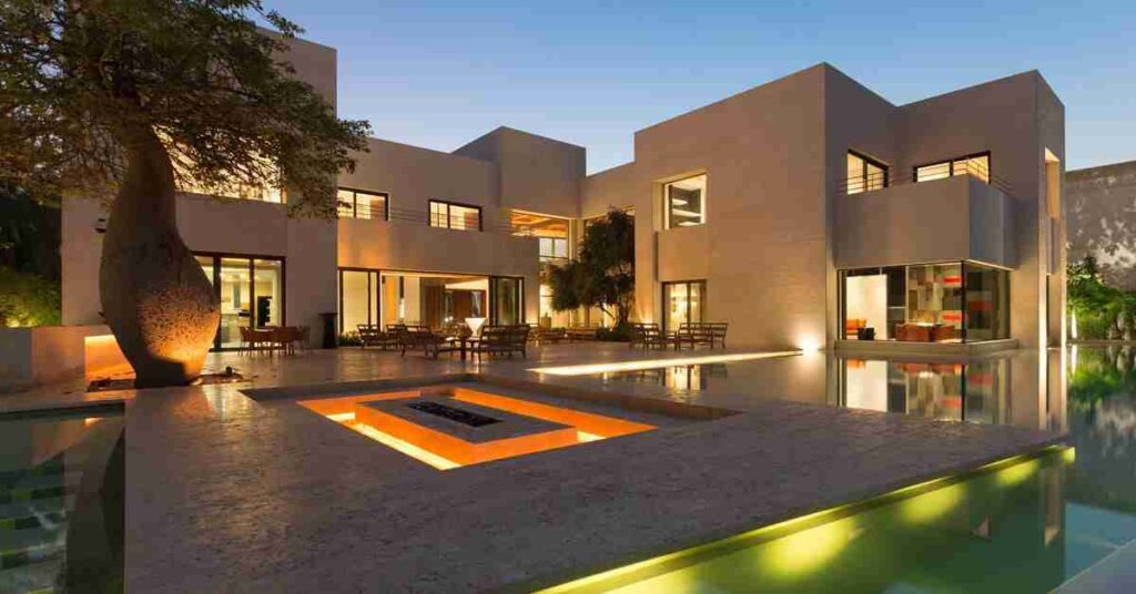 Party In Your Own Style In A Luxurious Villa